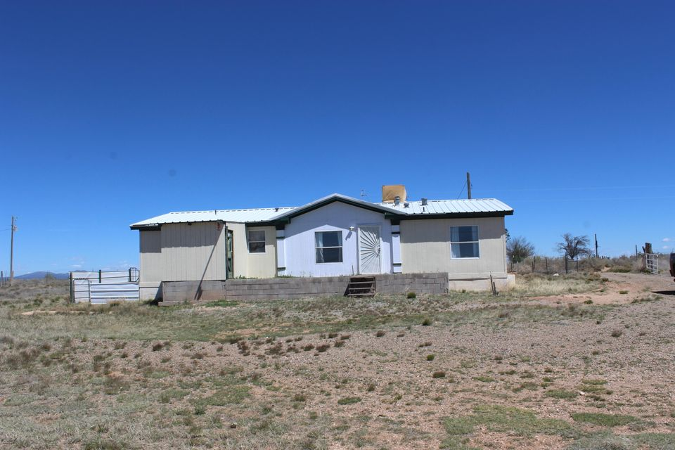 71 Galloway Road, Moriarty, NM 87035