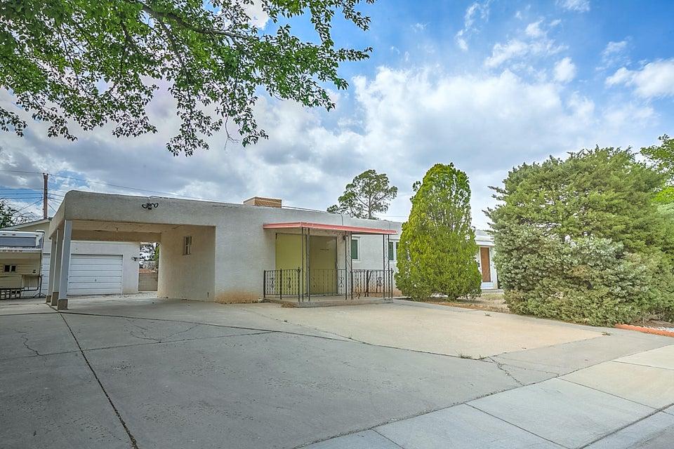 1709 Vermont Street NE, Albuquerque, NM 87110