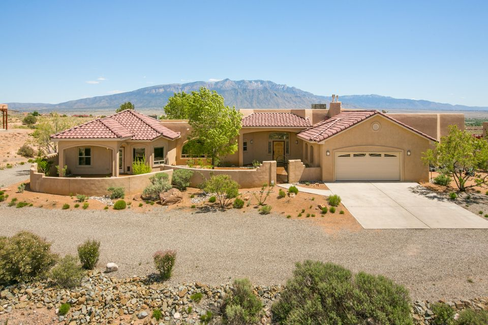 6251 Pasilla Road NE, Rio Rancho, NM 87144