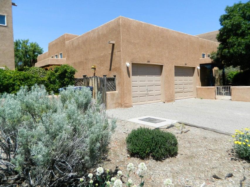 1515 Los Jardines Place NW, Albuquerque, NM 87104