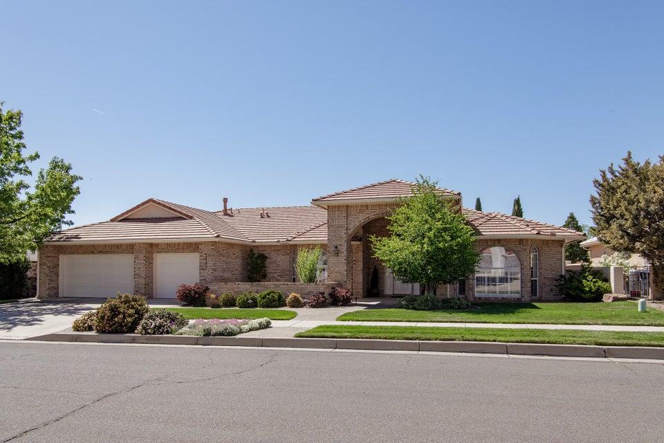 5505 Royal Oak Drive NE, Albuquerque, NM 87111