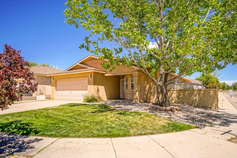 625 Sedona Meadows Drive NE, Rio Rancho, NM 87144