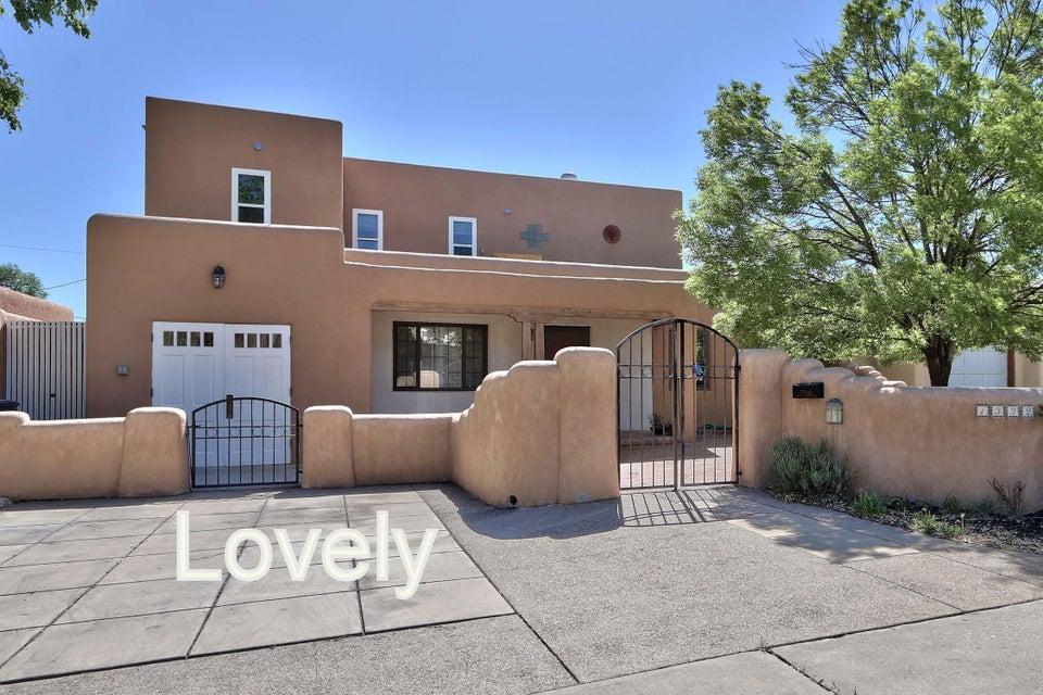 1332 Lobo Place NE, Albuquerque, NM 87106