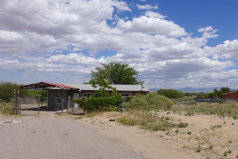5620 Donna Alberta Drive SW, Albuquerque, NM 87121