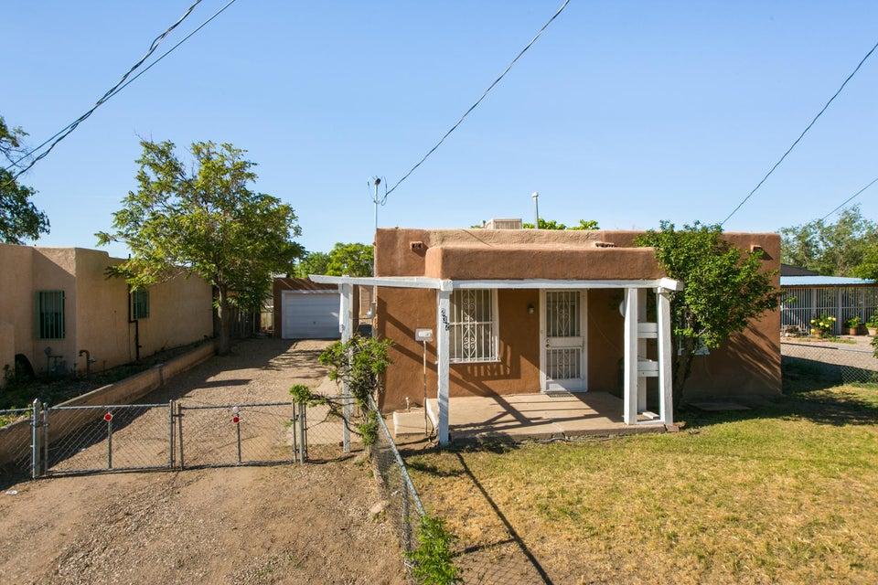 232 Candelaria Road NW, Albuquerque, NM 87107