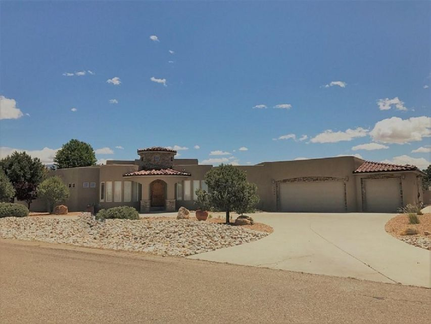 8020 Venice Avenue NE, Albuquerque, NM 87122