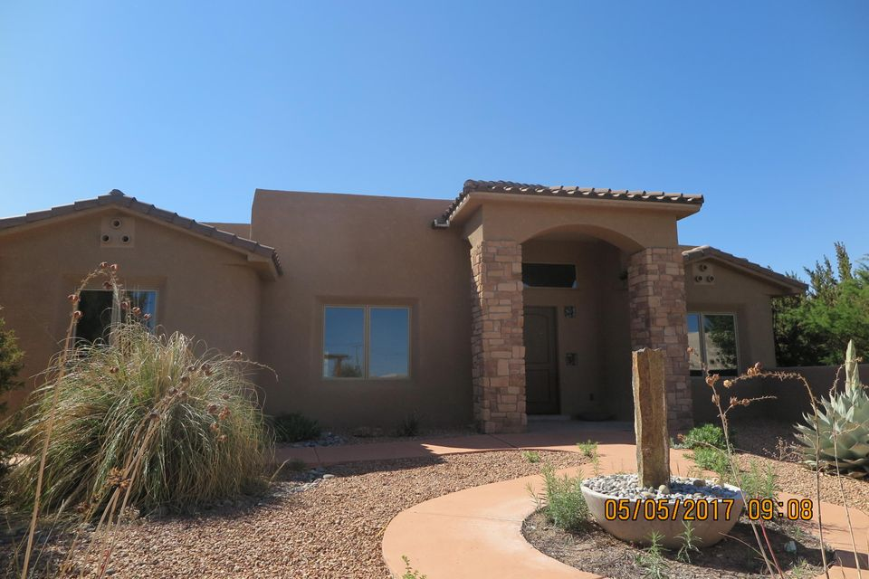 2 Frontier Lane, Placitas, NM 87043