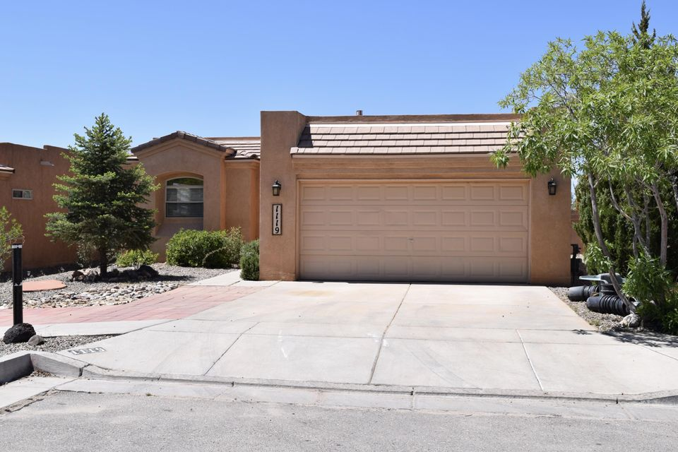 1119 Calle Fuerte NE, Albuquerque, NM 87113