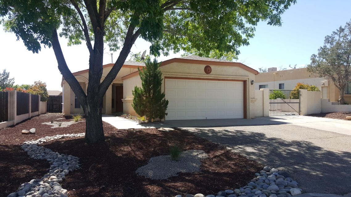 903 Stallion Road SE, Rio Rancho, NM 87124
