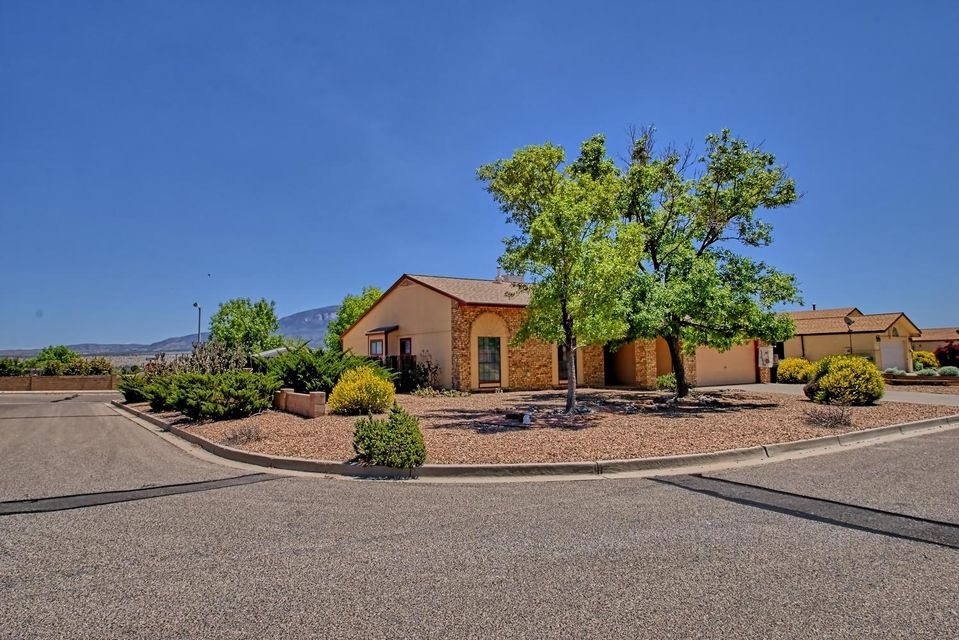1756 Hudson River Road NE, Rio Rancho, NM 87144