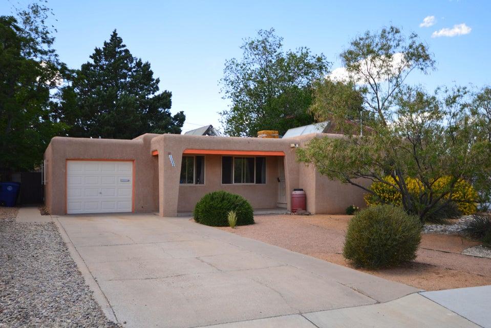 1129 Quincy Street SE, Albuquerque, NM 87108