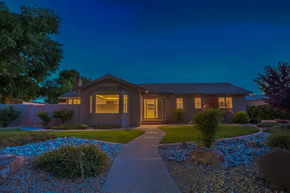 1712 Los Alamos Avenue SW, Albuquerque, NM 87104