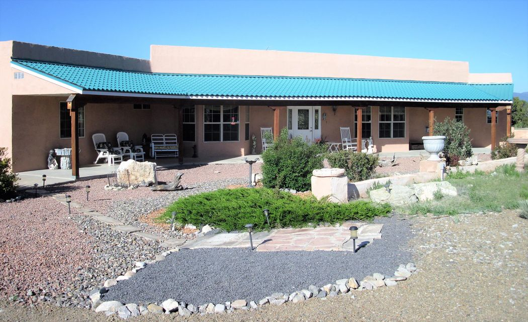 29 Drake Road, Edgewood, NM 87015