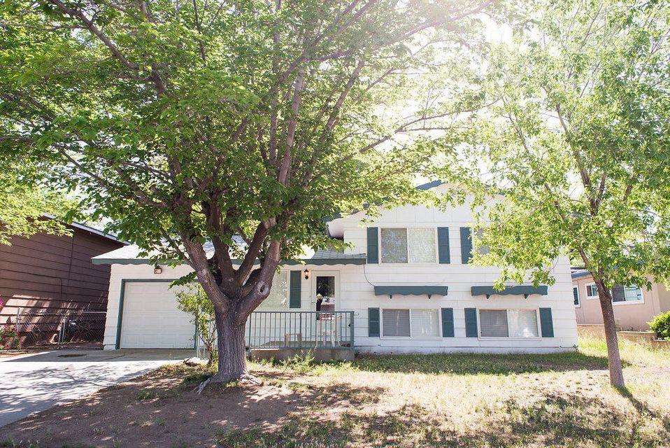 2718 June Street NE, Albuquerque, NM 87112