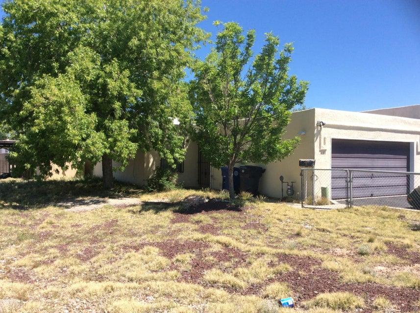 8301 San Joaquin Avenue SE, Albuquerque, NM 87108