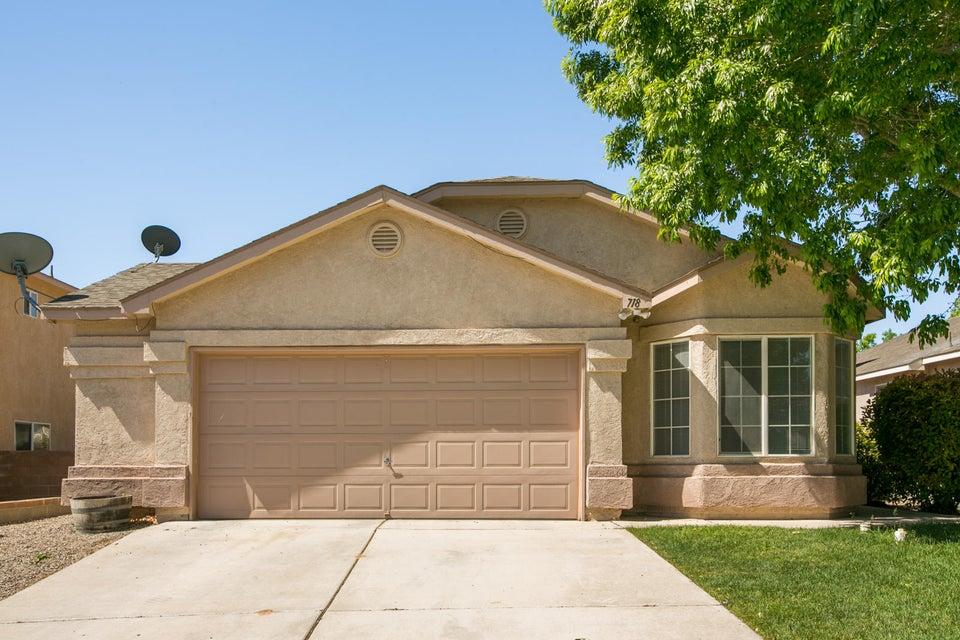 718 Pinon Meadows Drive NE, Rio Rancho, NM 87144