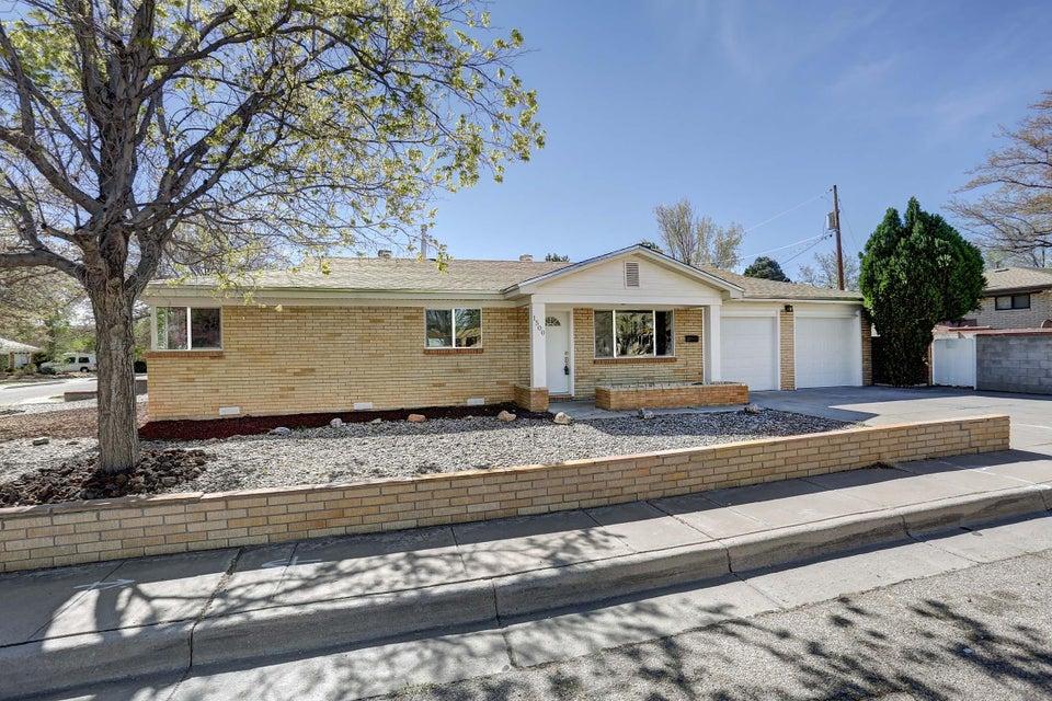 1500 Monroe Place SE, Albuquerque, NM 87108