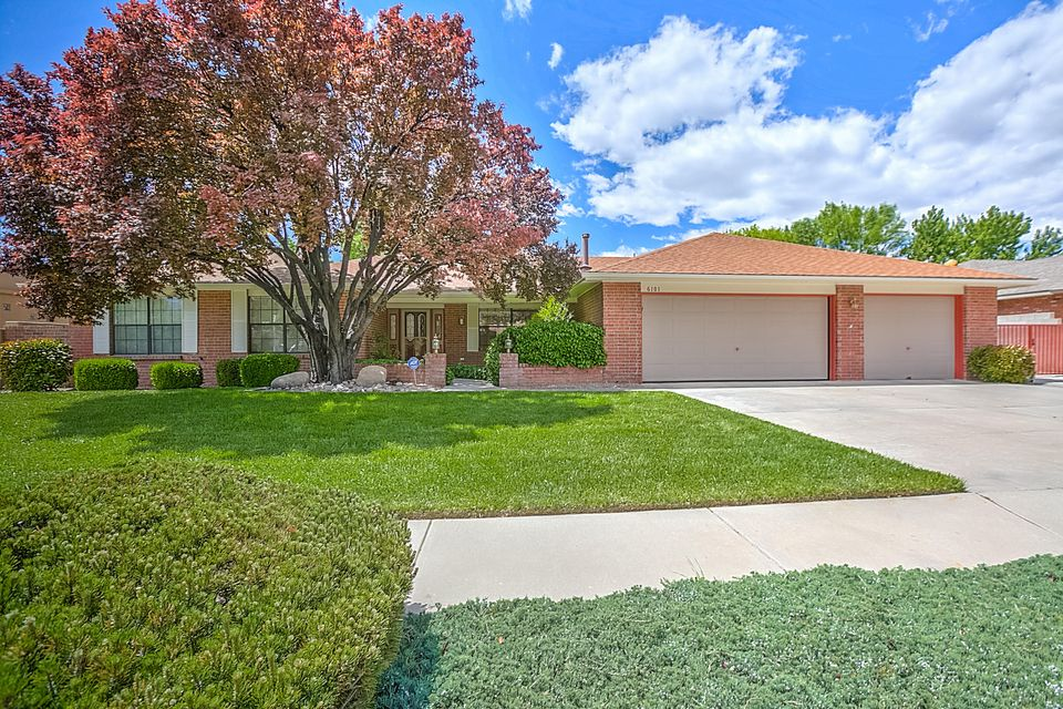 6101 Casa Feliz NE, Albuquerque, NM 87111