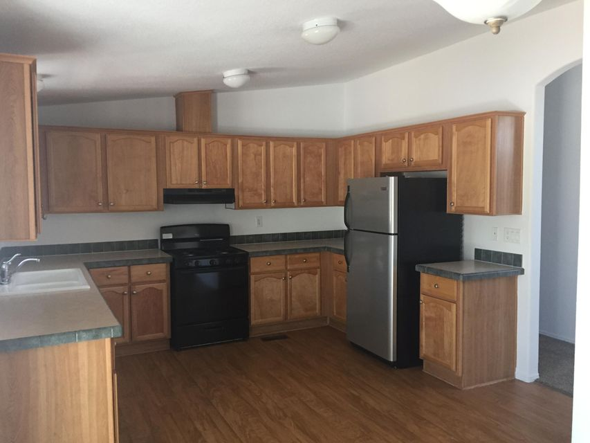 500 Whisper Pointe Street SW, Albuquerque, NM 87121