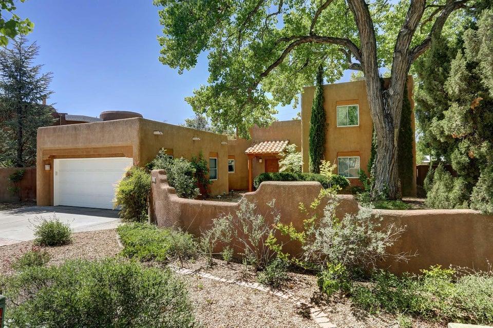 2912 Calle De Alamo NW, Albuquerque, NM 87104