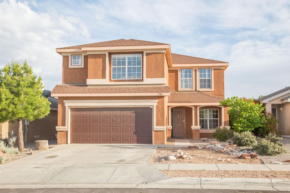 7704 Eagle Avenue NW, Albuquerque, NM 87114