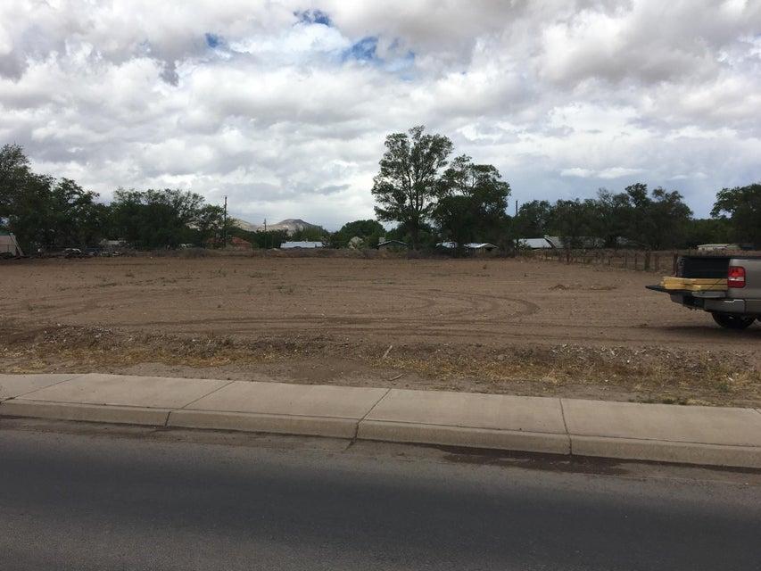 751 Los Lentes Road NE, Los Lunas, NM 87031