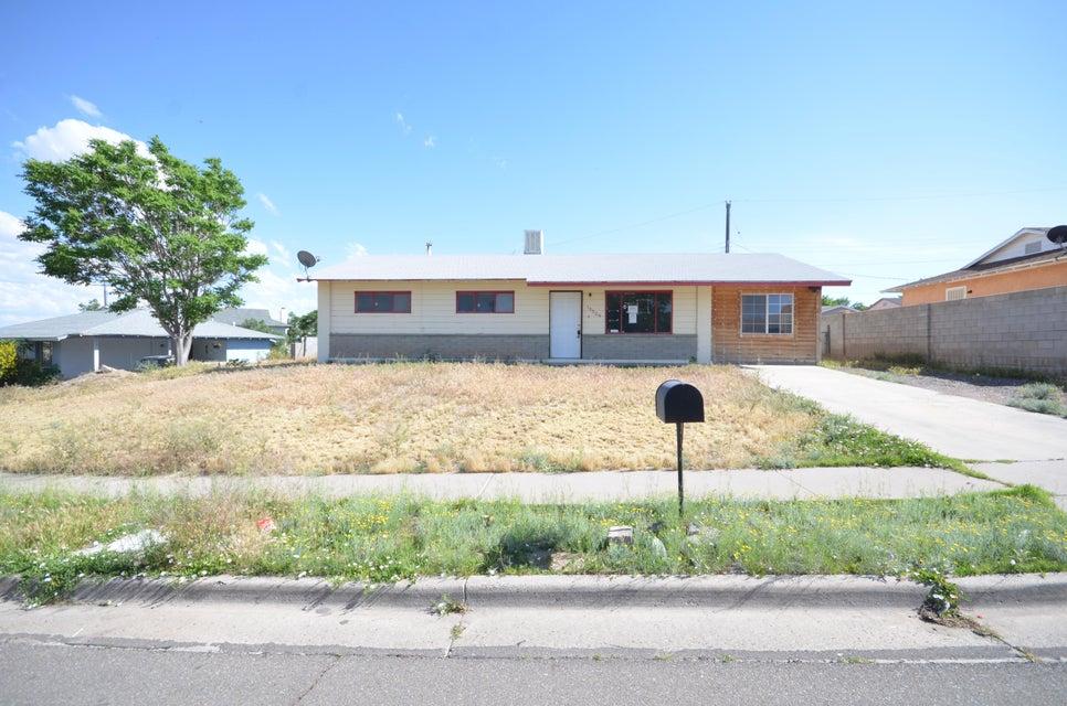 10524 Jenaro Street SW, Albuquerque, NM 87121
