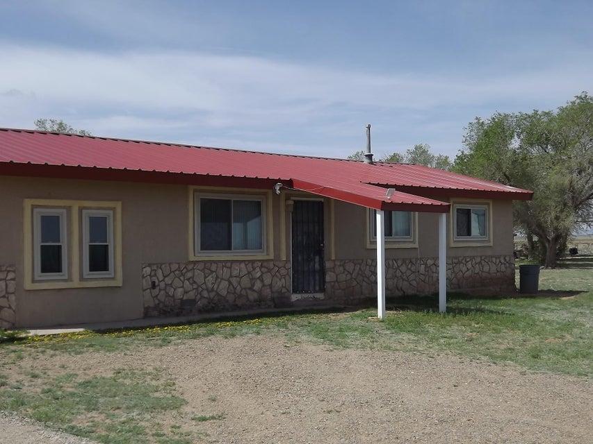 33 E Borachita Drive, Moriarty, NM 87035
