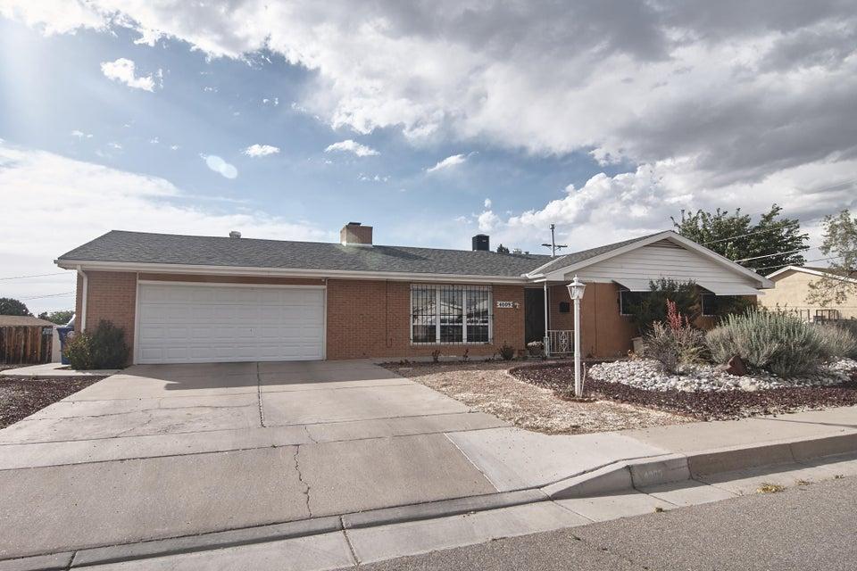 4009 Alta Monte Avenue NE, Albuquerque, NM 87110