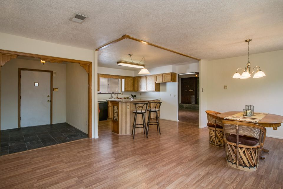 11822 El Solindo Avenue NE, Albuquerque, NM 87111