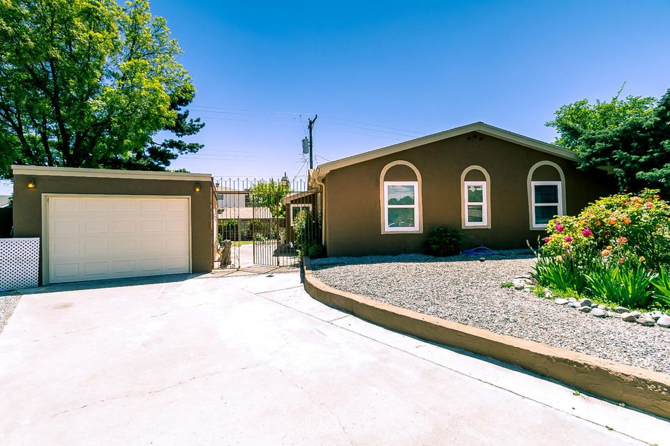 3800 Denise Court NE, Albuquerque, NM 87111