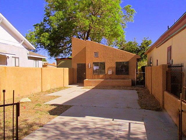 419 Pacific Avenue SW, Albuquerque, NM 87102