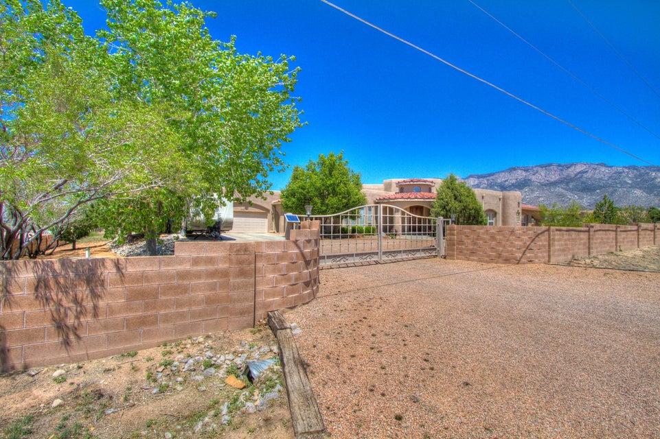 9401 NE Signal Avenue NE, Albuquerque, NM 87122