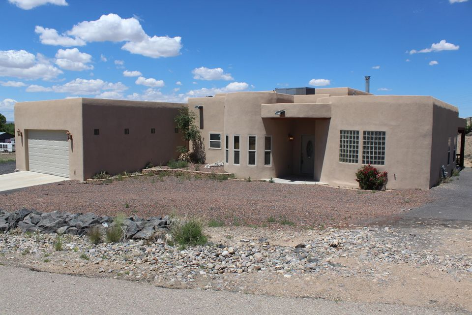 5 Loma Cordorniz, Peralta, NM 87042