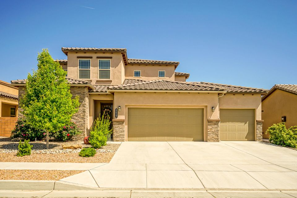 8627 Chilte Pine Road NW, Albuquerque, NM 87120