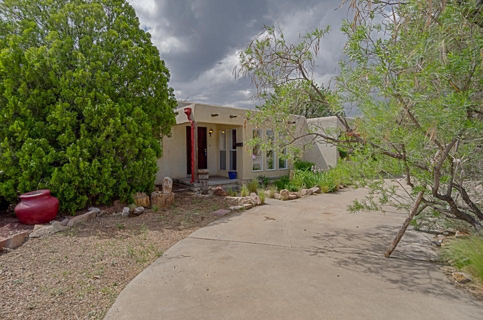 1435 Vassar Drive NE, Albuquerque, NM 87106