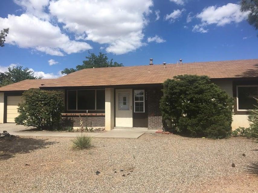 9904 Plunkett Drive NW, Albuquerque, NM 87114