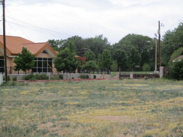 2901 Leopoldo Road NW, Albuquerque, NM 87104