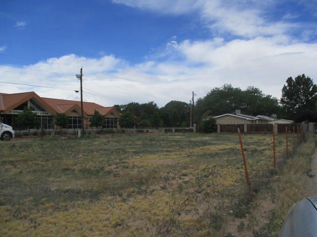 2905 Leopoldo Road NW, Albuquerque, NM 87104