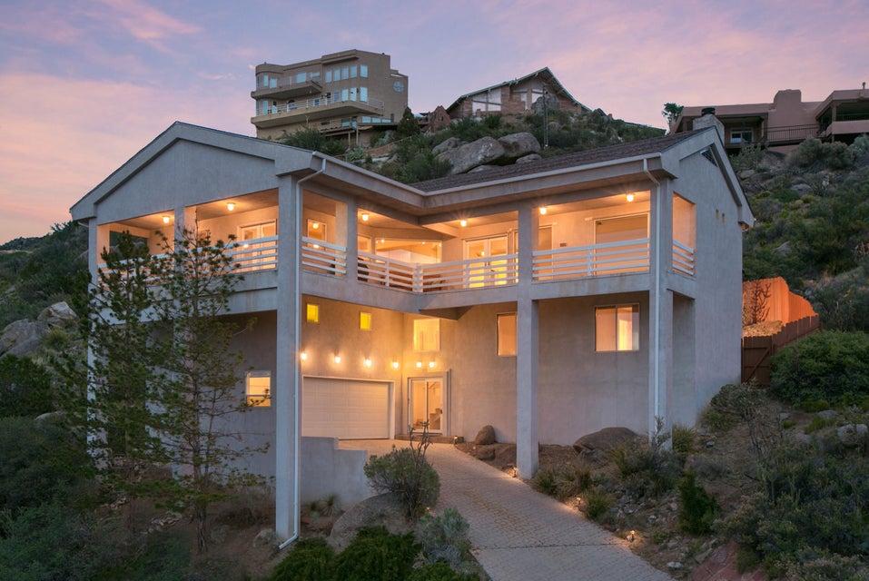 13455 Desert Hills Place NE, Albuquerque, NM 87111