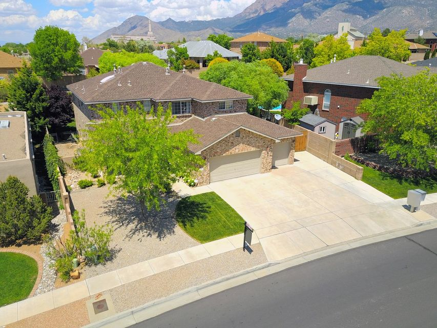 11215 Amman Avenue NE, Albuquerque, NM 87122