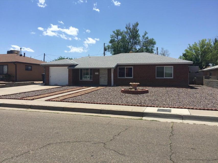 5906 Hannett Avenue NE, Albuquerque, NM 87110