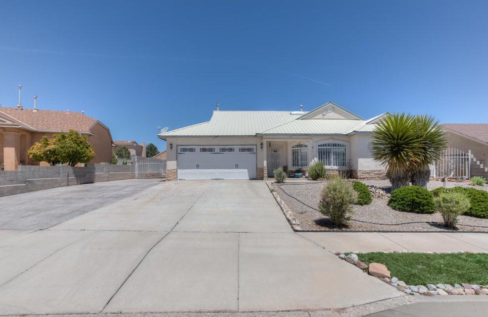 6917 Topeka Hills Drive NE, Rio Rancho, NM 87144