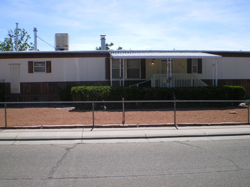 6608 Hallmark Avenue NE, Albuquerque, NM 87109