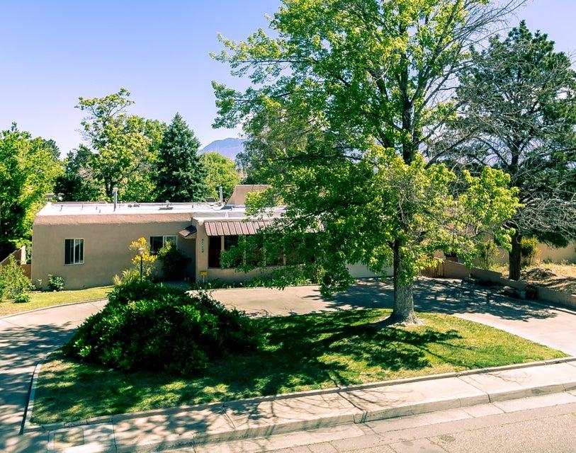 1112 RIDGECREST Drive SE, Albuquerque, NM 87108