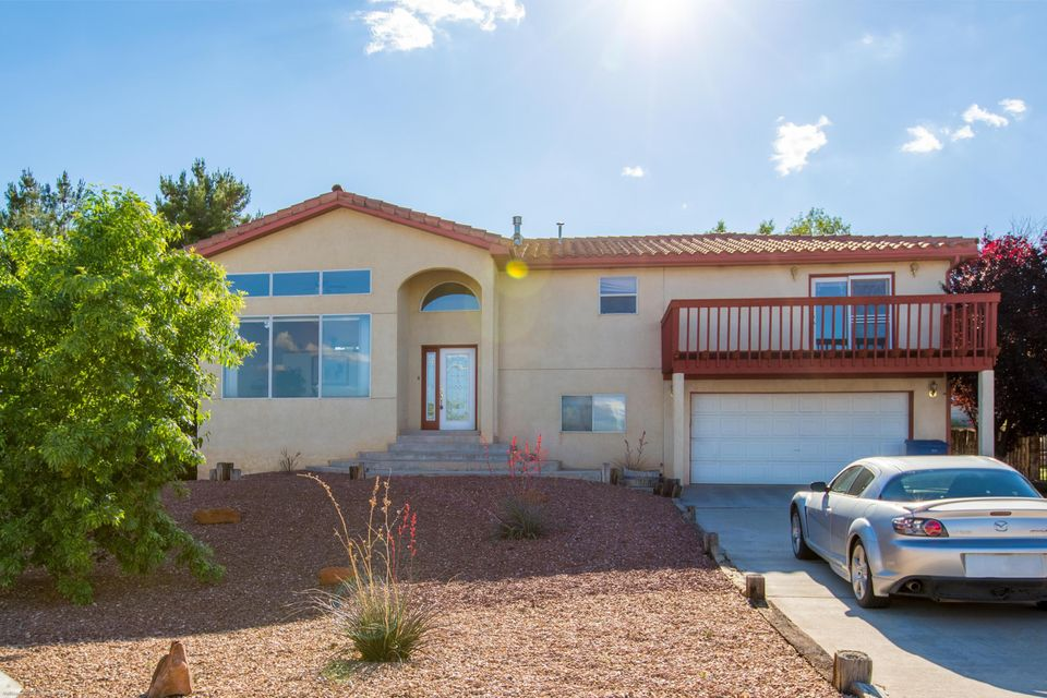 1390 Mesa Ridge Drive SW, Los Lunas, NM 87031