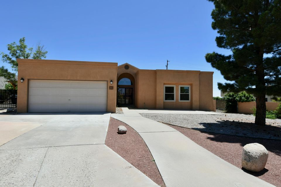 828 Rio Arriba Avenue SE, Albuquerque, NM 87123
