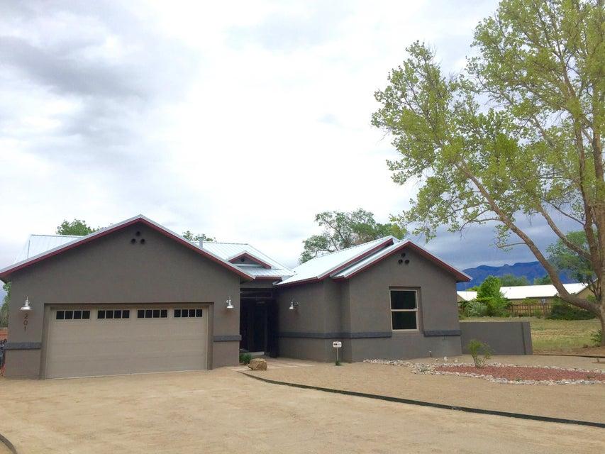 201 NE Las Colinas Lane NE, Albuquerque, NM 87113