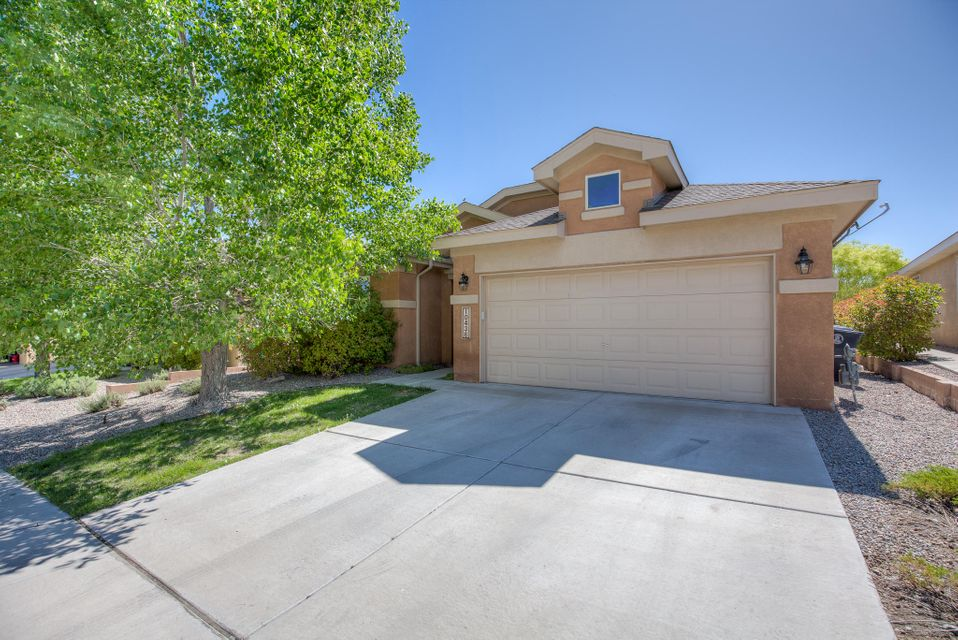 10436 Rayner Drive NW, Albuquerque, NM 87114