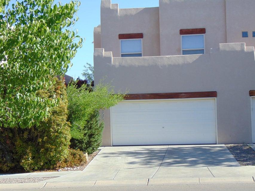 4727 Spanish Sun Avenue NE, Albuquerque, NM 87110
